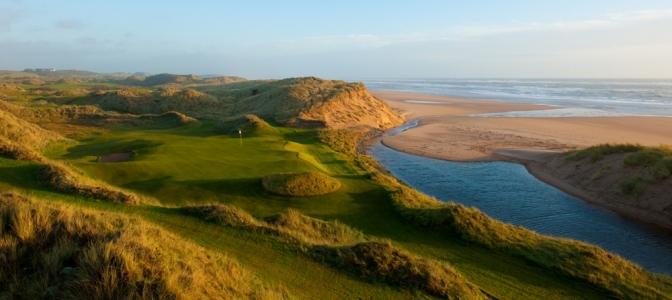 Green en el campo de golf de Trump International en Aberdeen, Escocia