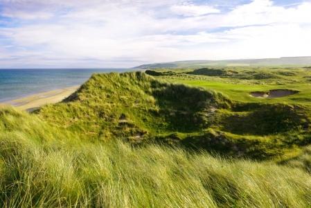 Dunas en el campo de golf de Machrihanish Dunes en Escocia