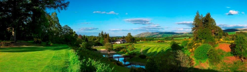 Campo de golf de Queen's en Escocia