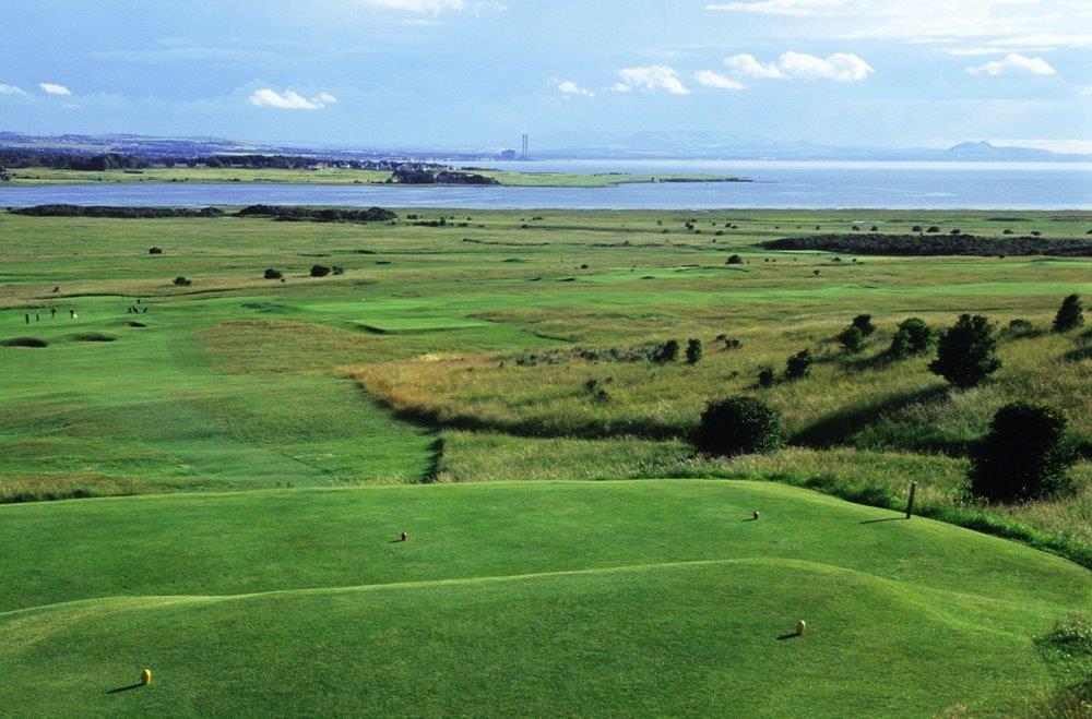 Fairway en el campo de golf de Gullane Nº1 en Edimburgo, Escocia