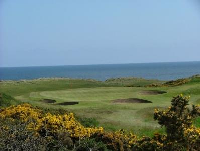 Green en el campo de golf de Trump Royal en Aberdeen, Escocia