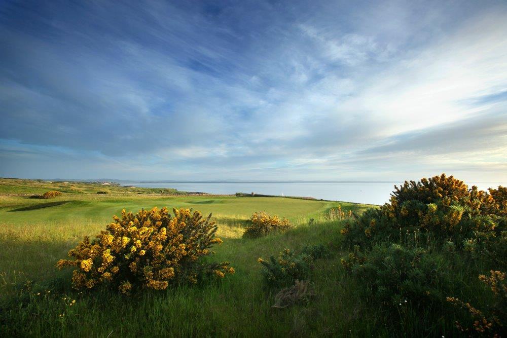 Vistas al mar del campo de golf de Torrance de Fairmont en Escocia