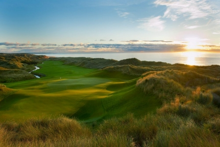 Atardecer en el campo de golf de Trump International en Aberdeen, Escocia