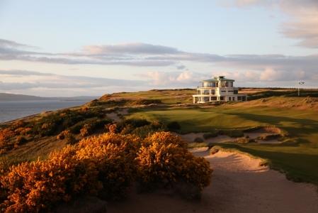 Casa club en el campo de golf de Castle Stuart en Escocia