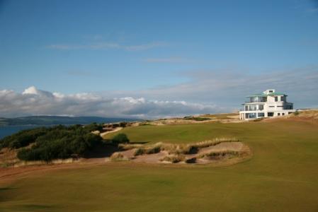 Clubhouse en el campo de golf de Castle Stuart en Escocia