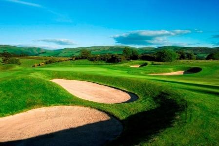 Bunkers en el campo de golf de Gleneagles (Queen's) en Escocia