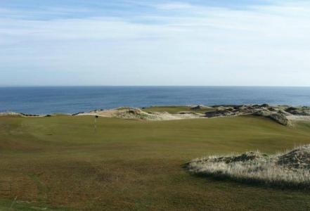 Vistas al mar del campo de golf de Castle Course en St Andrews en Escocia