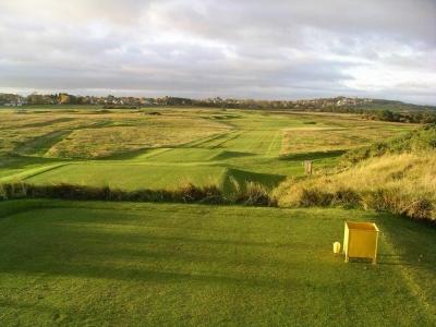 Fairway en el campo de golf de Muirfield en Edimburgo, Escocia