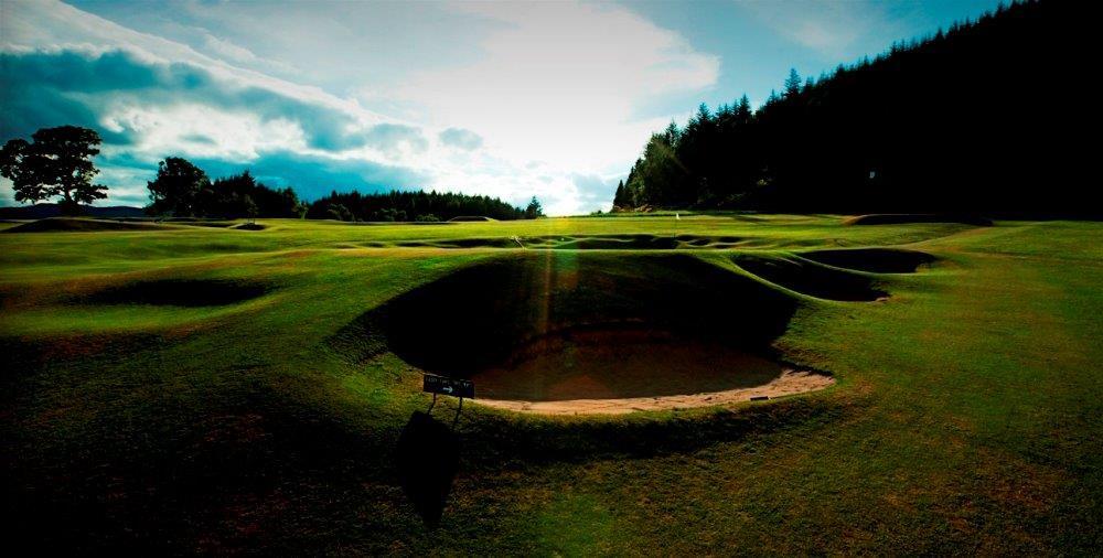 Bunkers en el campo de golf de Pitchlochry en Escocia
